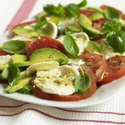 Avocado_Tomaoto_Mozzarella_Salad