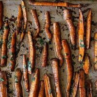 pomegranate-roasted-carrots-1